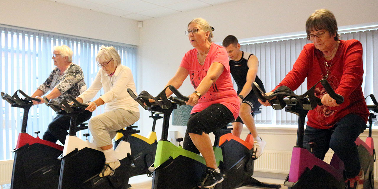 dementia group workout cycling